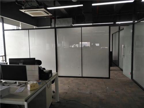 浴室玻璃隔断维修,玻璃隔断