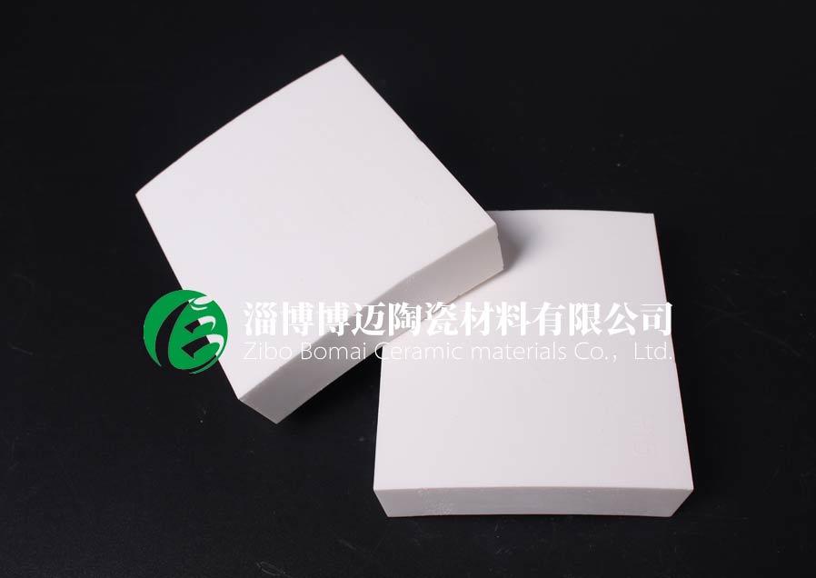 湖北排灰管道耐磨陶瓷衬片规格 淄博博迈陶瓷材料供应