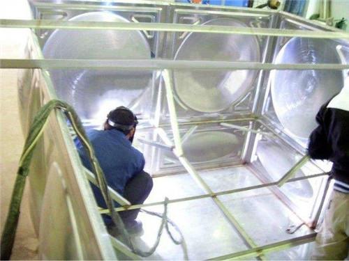 江苏不锈钢水箱厂家供应,不锈钢水箱