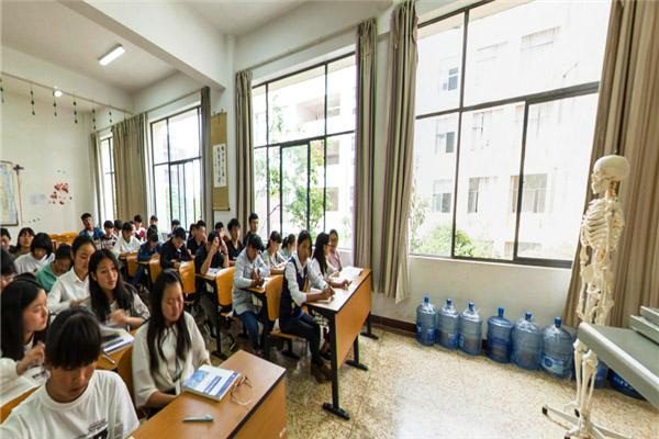 丽江广告设计与制作专业学校排名 欢迎来电 云南聚联教育信息咨询供应