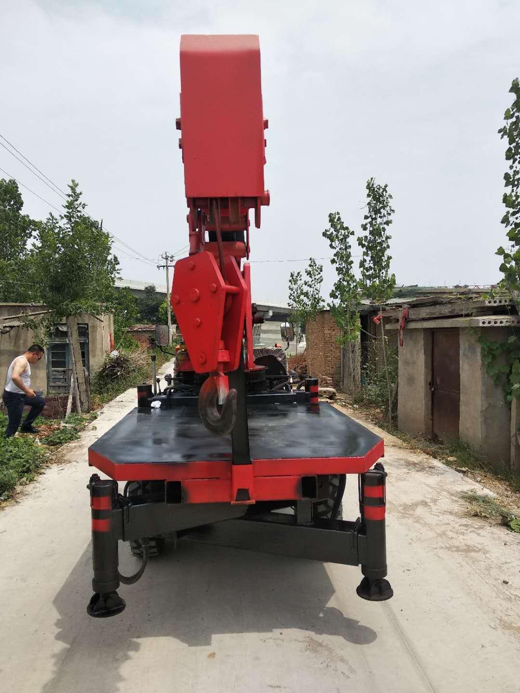 遼寧東風后雙橋三輪隨車吊 濟寧力征工程機械供應