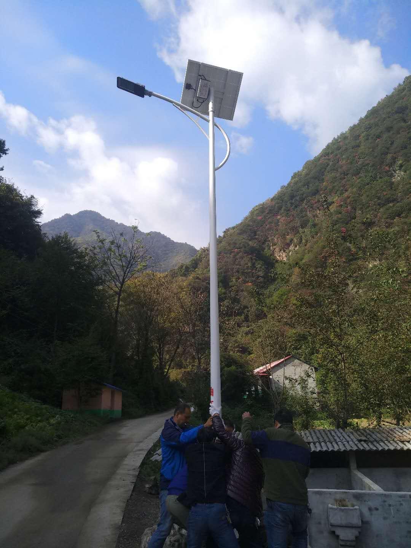 甘南通用太阳能路灯多少钱 山东图景照明工程供应