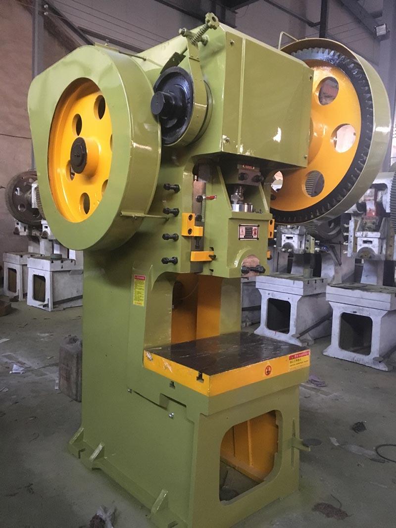 北京125吨固定台式冲床哪家好 南京晶石机械设备供应