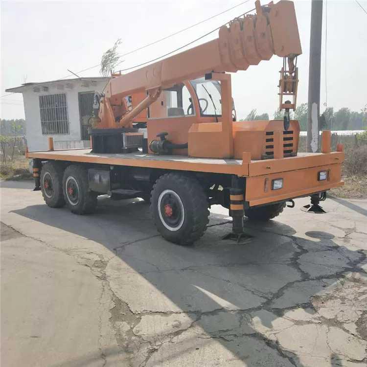 内蒙古拉毛竹六驱随车吊 值得信赖 济宁市恒泰源工程机械供应