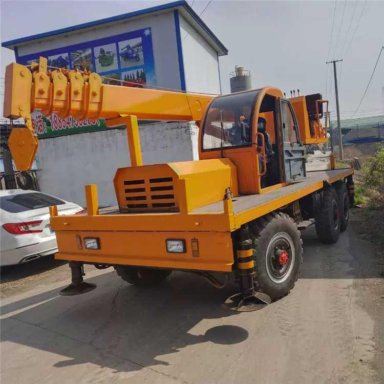 河南现货六驱随车吊 客户至上 济宁市恒泰源工程机械供应