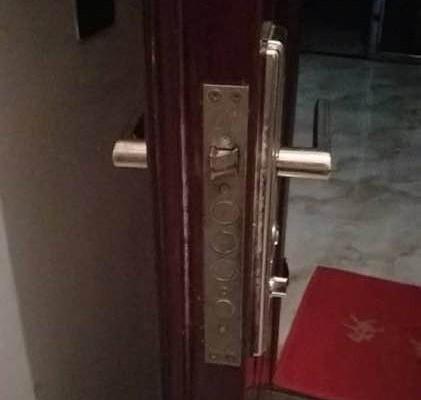 高新区附近开防盗门锁电话,防盗门锁