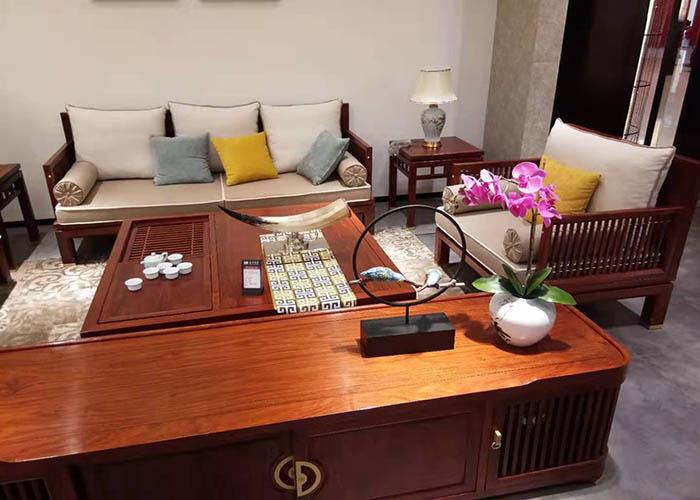 聊城中式沙发多少钱「斯康沙发供应」