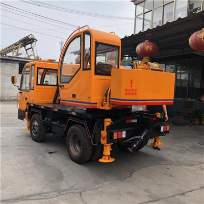 重庆6吨变形金刚自制吊多少钱 济宁久征工程机械供应
