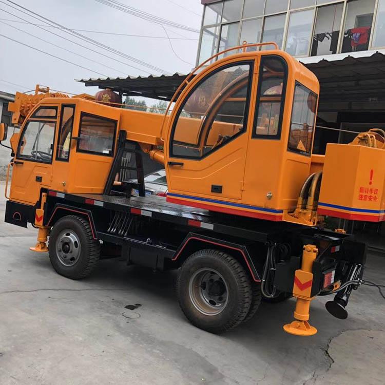 山东10吨变形金刚吊机质量保证 济宁久征工程机械供应