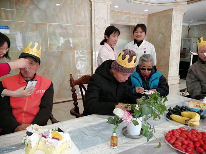 成都80岁老人监护,老人