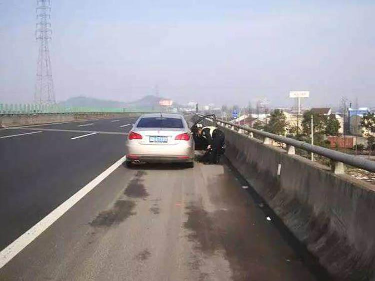 河南24小时高速救援公司,高速救援