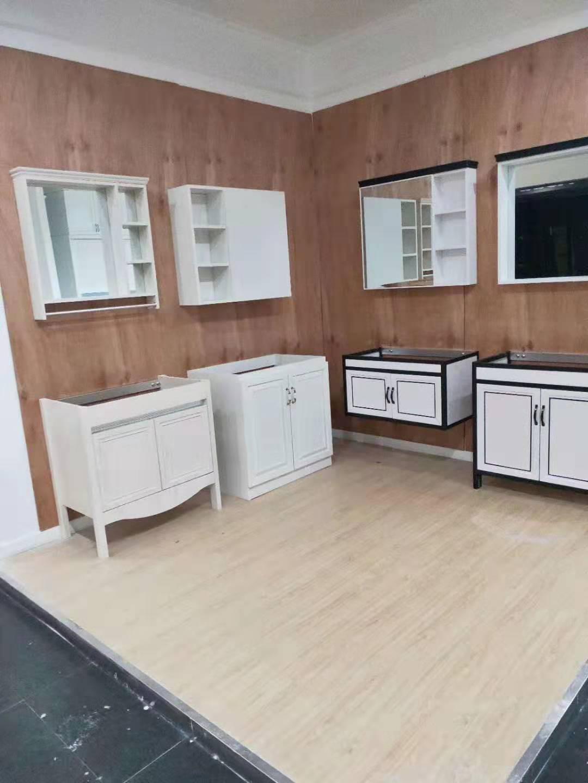 卫浴柜多少钱「常熟市古里镇和明家具供应」