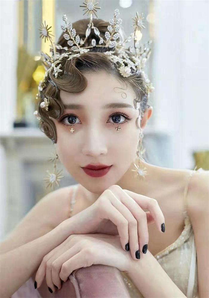 口碑好的化妆学校价格 欢迎咨询 郑州英皇沙宣教育供应