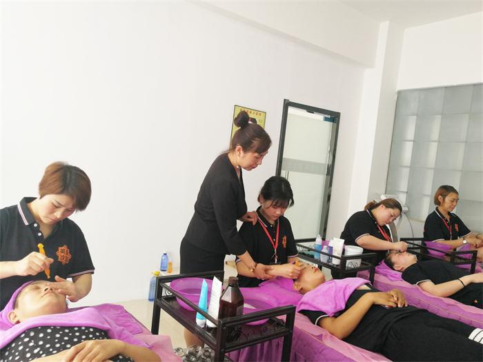 專業美容培訓班找哪家 誠信經營 鄭州英皇沙宣教育供應