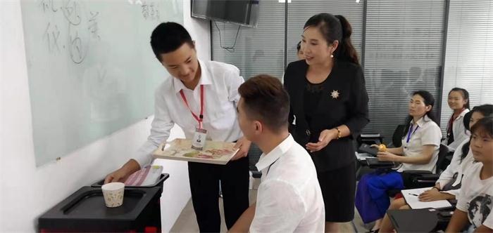 郑州口碑好的美容培训班 推荐咨询「郑州英皇沙宣教育供应」