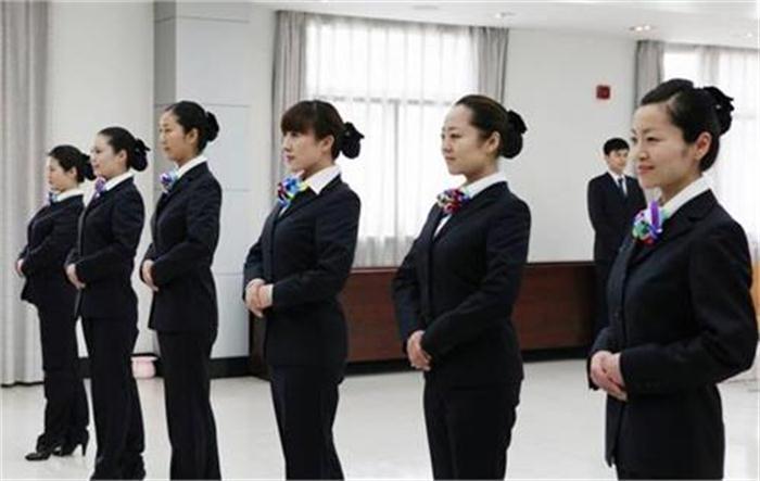 郑州专业美容美发培训班价格 欢迎咨询 郑州英皇沙宣教育供应
