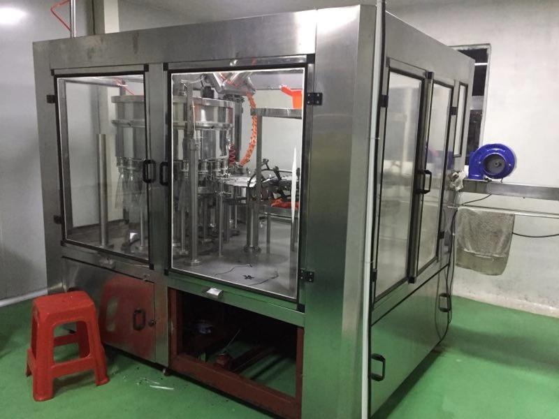 上海智能二手玻璃瓶灌装机的用途和特点「梁山亿丰二手设备供应」