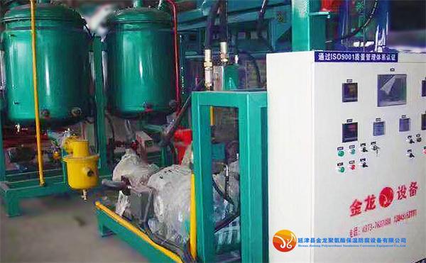 陕西冰柜聚氨酯发泡机,聚氨酯发泡机