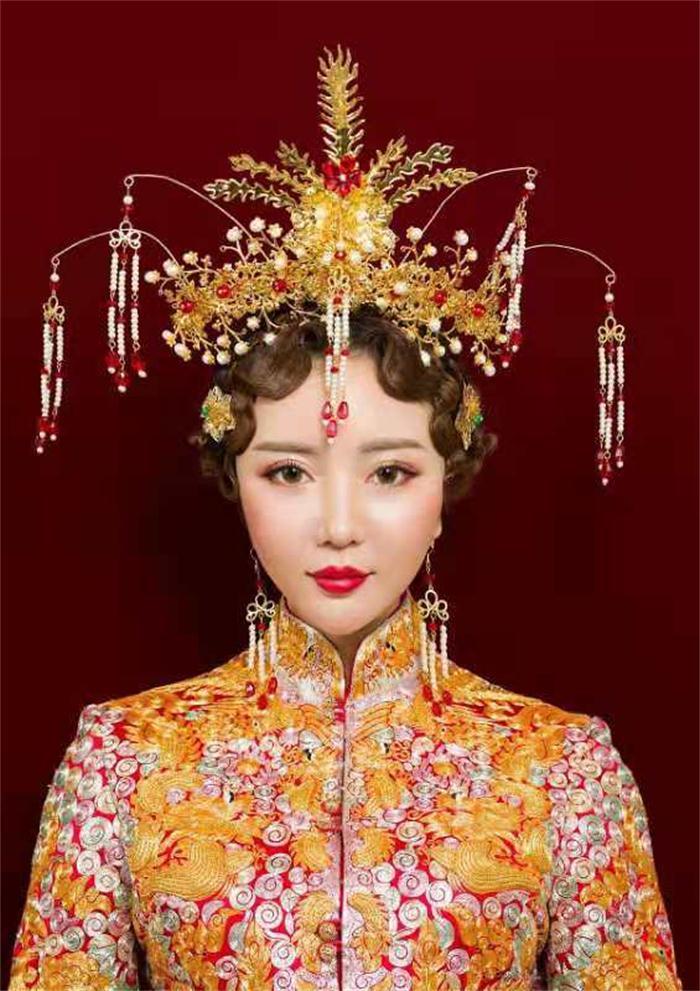 河南专业化妆培训 郑州英皇沙宣教育供应
