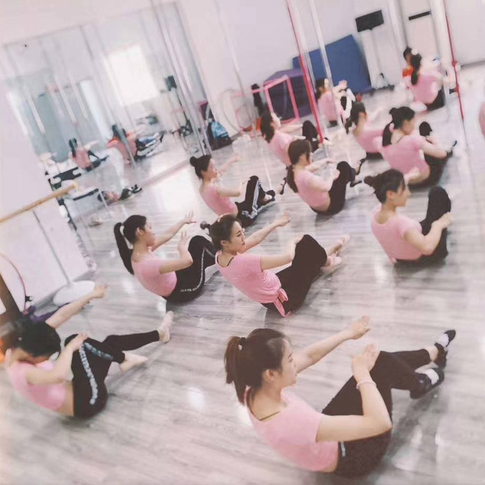 无锡酒吧领舞培训哪家专业 客户至上 苏州华翎舞蹈艺术培训供应