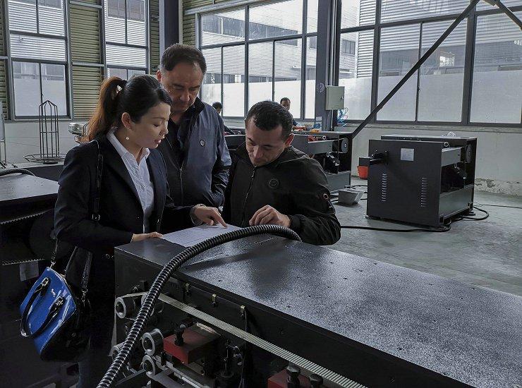 原装流水线去黑膜机械厂家,流水线去黑膜机械