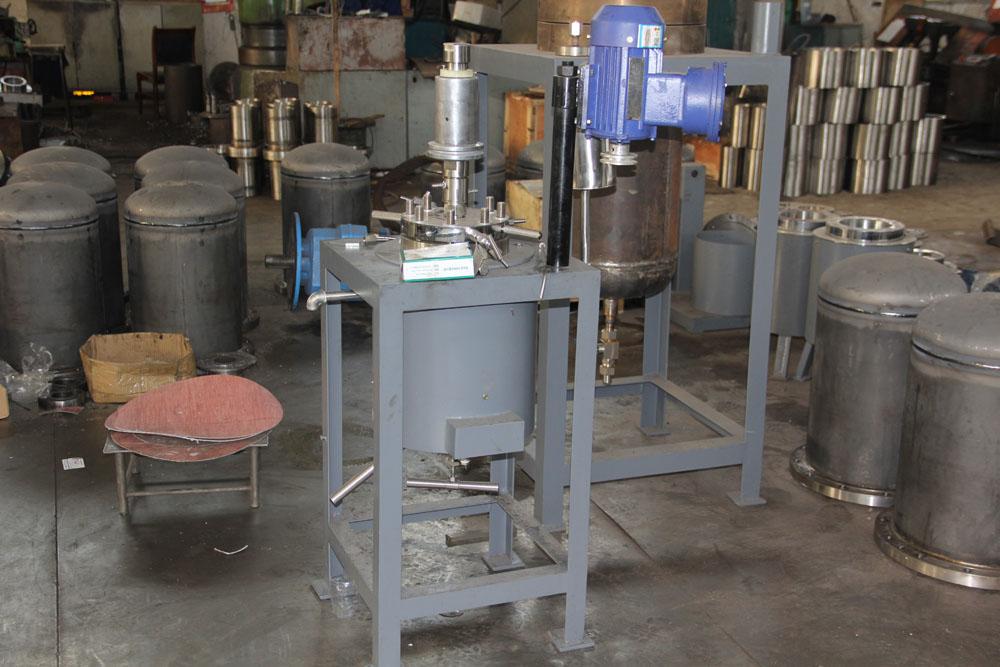 山东原装实验室反应釜市场前景如何 铸造辉煌「威海鑫康化工机械供应」