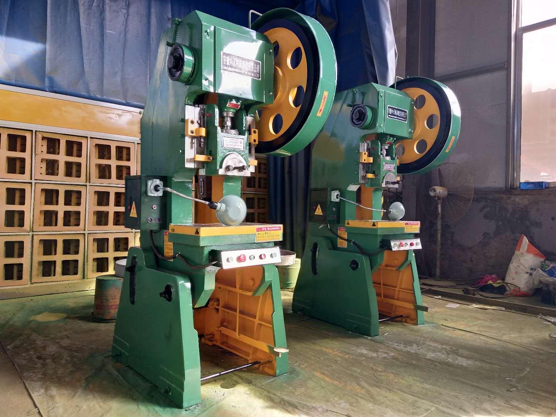 山东钢板焊接冲床厂家 南京晶石机械设备供应