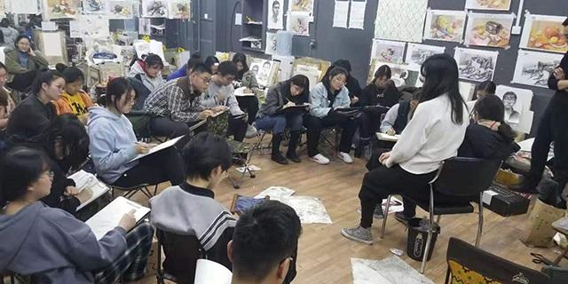 山东中考速写辅导机构 淄博新动力画室服务