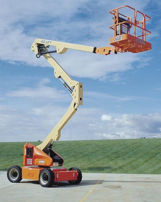 胶州小型曲臂式高空车租赁价格合理,曲臂式高空车租赁