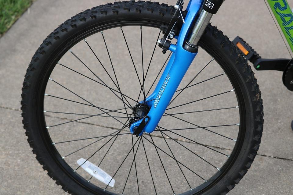 山東知名聚氨酯自行車輪胎制造廠家 來電咨詢 煙臺銀河聚氨酯供應