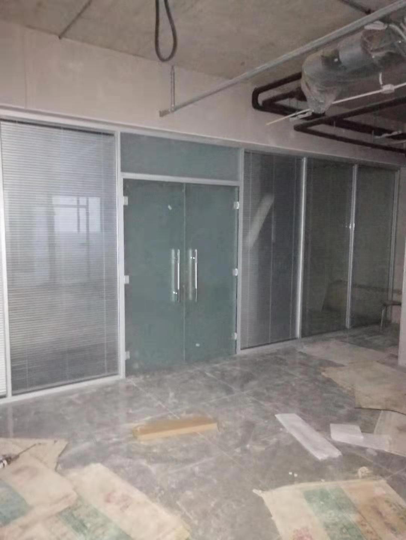 吉林省钢化玻璃隔断墙厂家