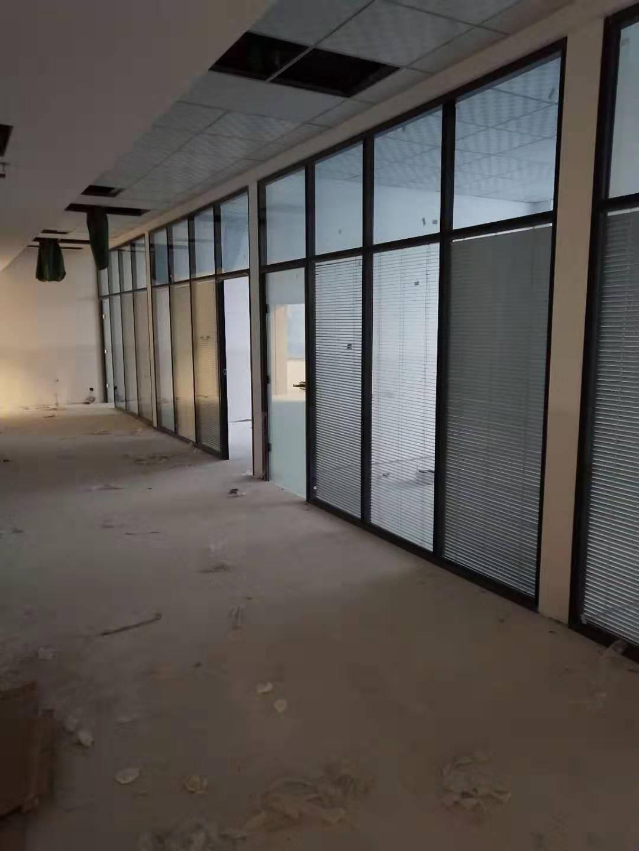 吉林省公司办公玻璃隔断哪家好 二道区盛弘嘉装饰材料供应