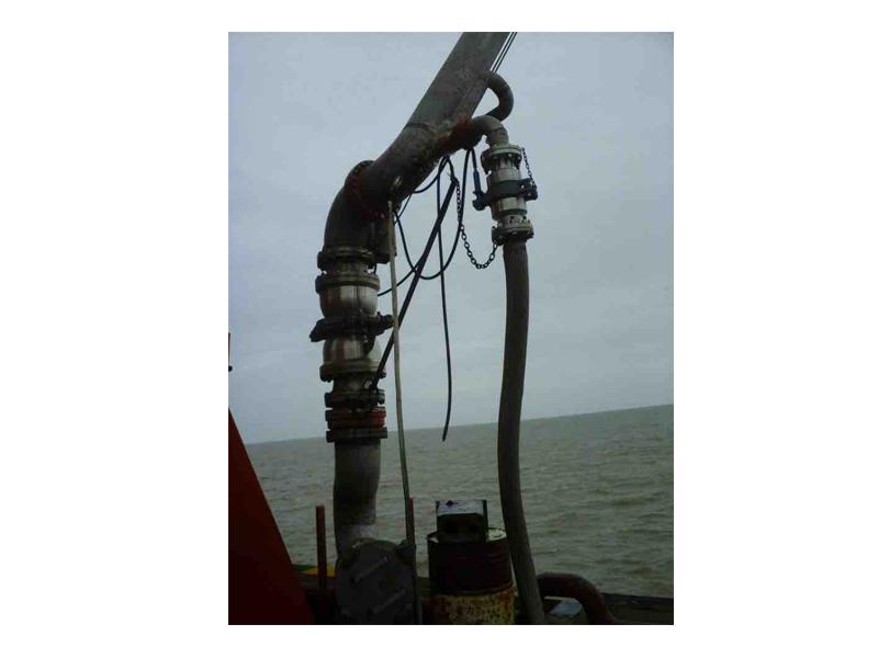 正宗输油臂欢迎来电「连云港华德石油化工机械供应」
