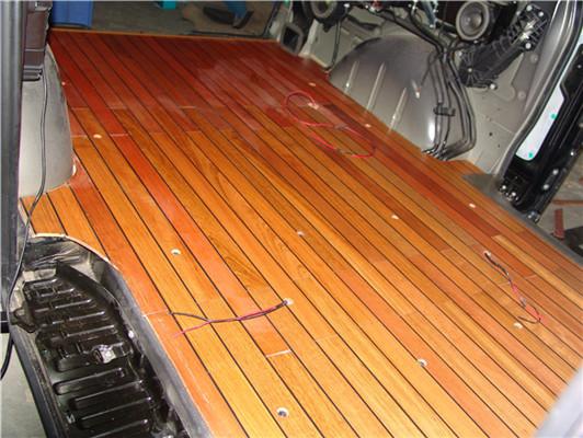 昆山奔驰唯雅诺木地板改装升级 苏州正邦房车内饰供应