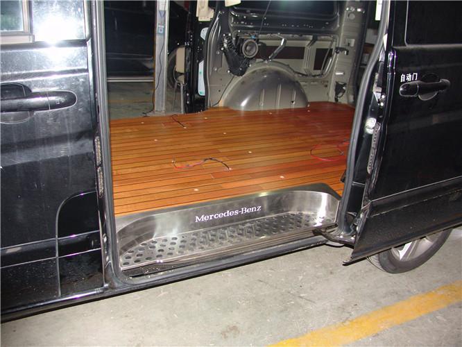 苏州奔驰唯雅诺木地板改装升级 苏州正邦房车内饰供应