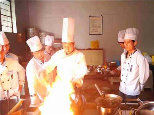 昆明专业厨师培训学校地址 客户至上 云南先科职业培训学校供应