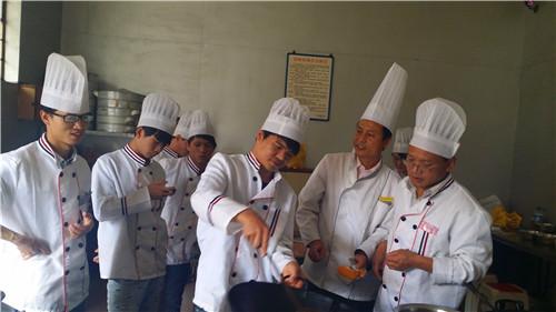 昆明专业的厨师学费是多少 来电咨询 云南先科职业培训学校供应