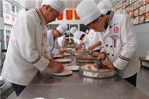 昆明特色小吃需要培训多久 客户至上 云南先科职业培训学校供应