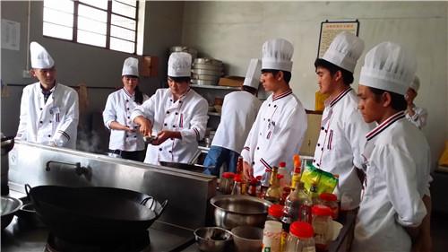昆明川菜技術培訓學校 云南先科職業培訓學校供應