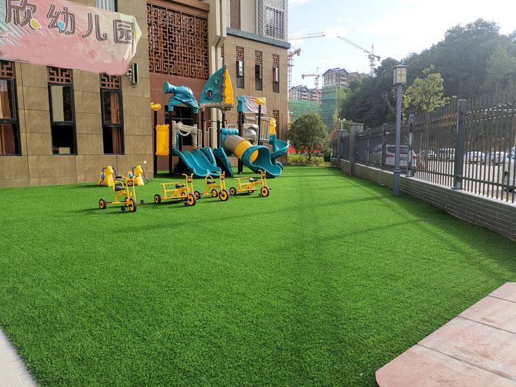 幼儿园人造草坪多少钱 厦门中港豪华装饰工程供应