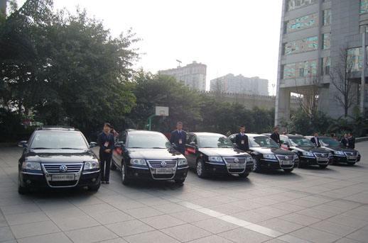 伊宁县带司机包车公司 伊宁市致胜汽车服务供应