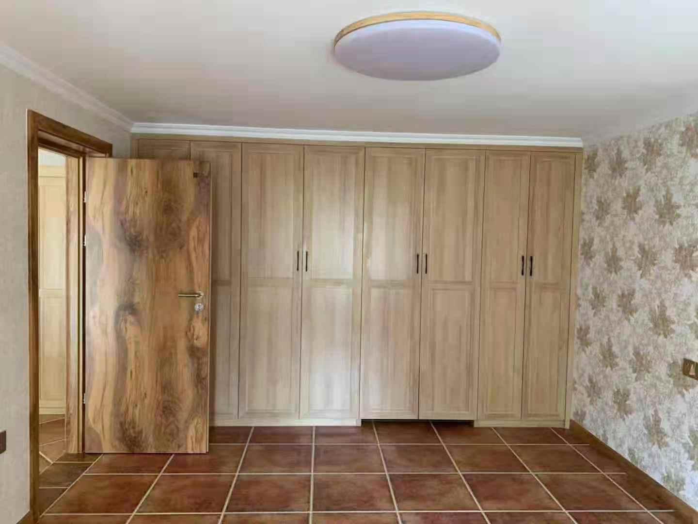 吐鲁番实木衣柜价格,衣柜