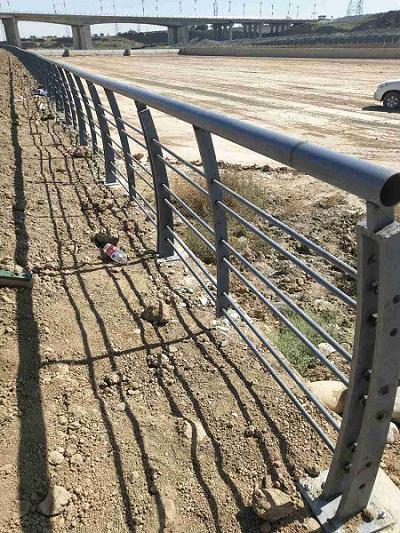 乌鲁木齐市铁艺楼梯护栏,护栏