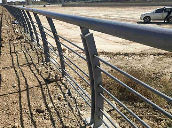 阿勒泰铁艺护窗护栏新报价,护栏