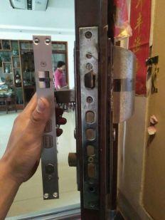 泰安范镇汽车换锁配汽车钥匙17661236110,换锁