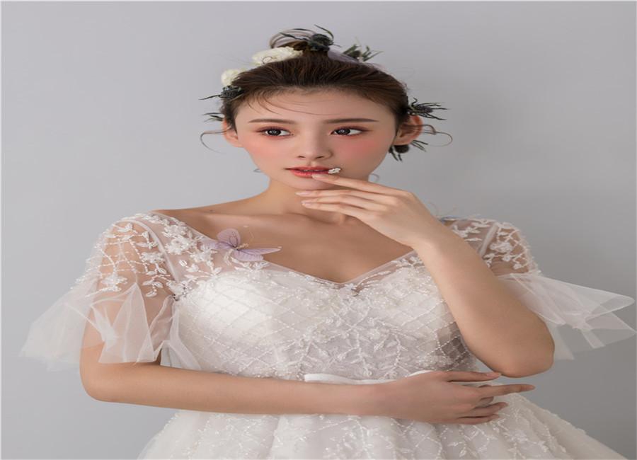 甘南出名化妝學校招生 推薦咨詢 蘭州瑞麗陽光供應