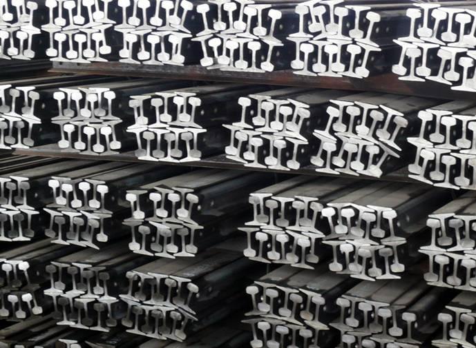 新疆英标钢轨 乌鲁木齐鑫圣龙钢材供应