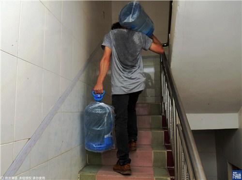 未央区正规送水哪家好 值得信赖 西安市高新区咕咚桶装水配送供应