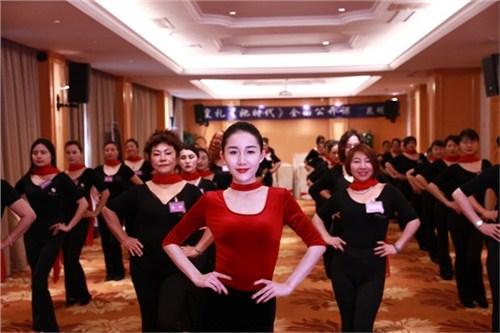 昆明公司礼仪规范 云南皇礼礼仪学院