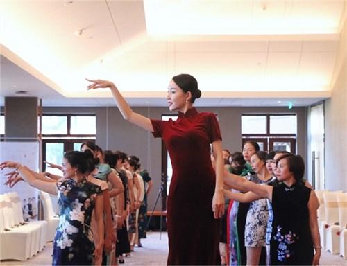 昆明个人形象礼仪培训学校 客户至上 云南皇礼礼仪学院